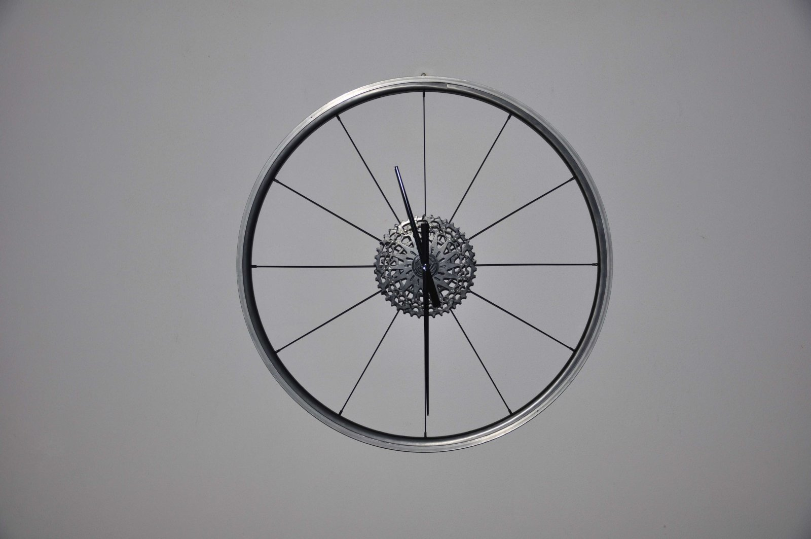 Fietsklok Cycling Clock All Black Created By Decreatievelink Hubert Van Soest