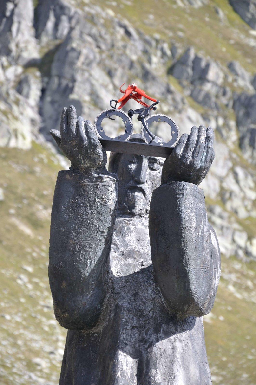 Siwss Champion Cyclist Gotthardpas Switzerland Hubert Van Soest Decreatievelink Cyclingart
