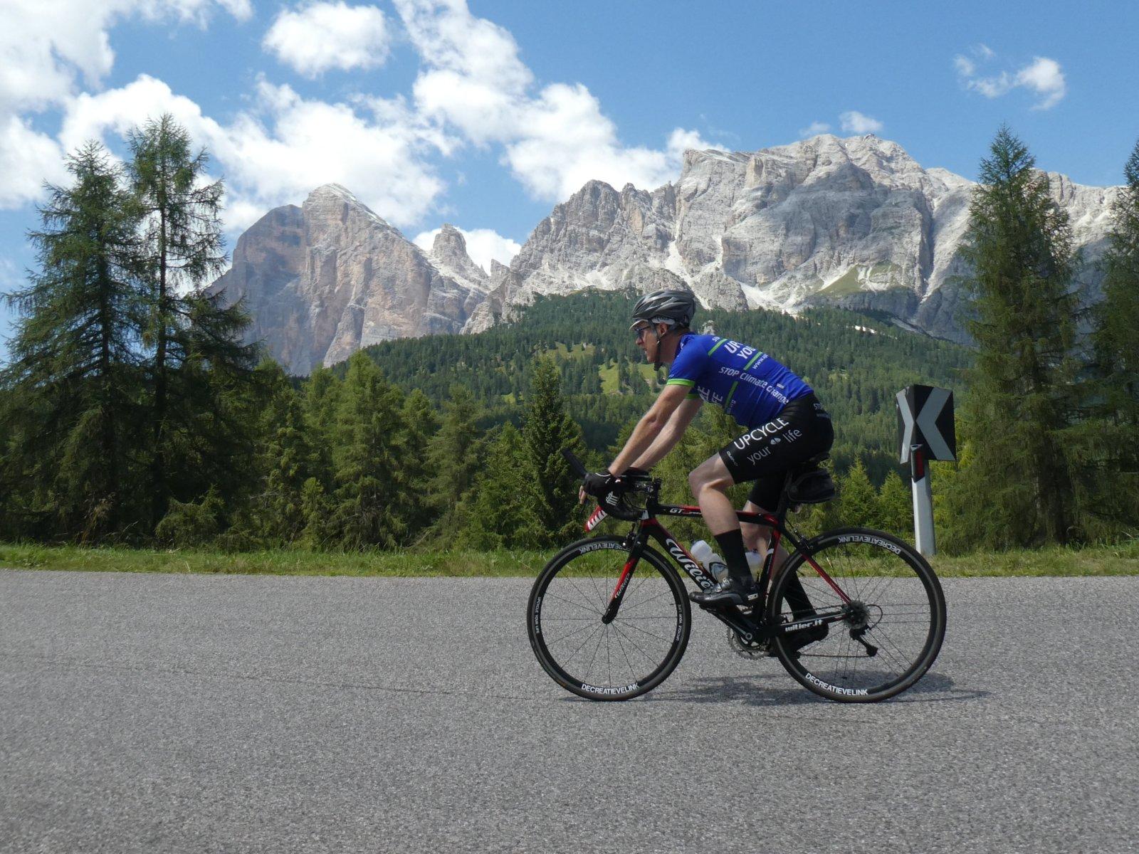 Upcycle your life wielertrui in de Dolomieten