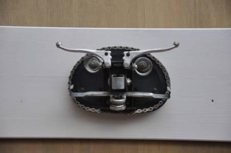 Monsieur Moustache Fietskunst Muurkunst Masker Kleerhanger Decreatievelink